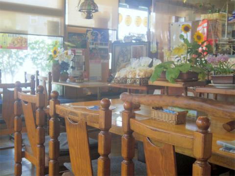 茨城県笠間市東平1丁目にある喫茶店「ファミレス ふれんず」店内