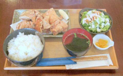 神奈川県横浜市神奈川区子安通2丁目にある居酒屋「はり亭」鶏の唐揚げランチ