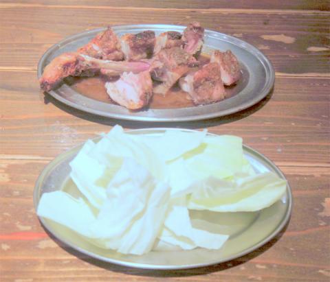 茨城県土浦市有明町にある鶏料理のお店「骨付きがぶり鶏 がぶり亭 土浦店」ひな鶏