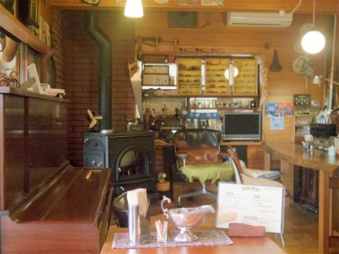 茨城県笠間市大田町にある「Cafe JR.Bonner カフェ ジュニアボナー」店内