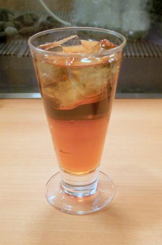 東京都台東区上野5丁目にある「蔵元居酒屋 清龍 上野2号店」ウーロン茶