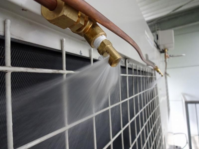 エアコン 室外機 水