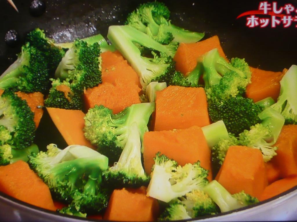 野菜を蒸し煮する