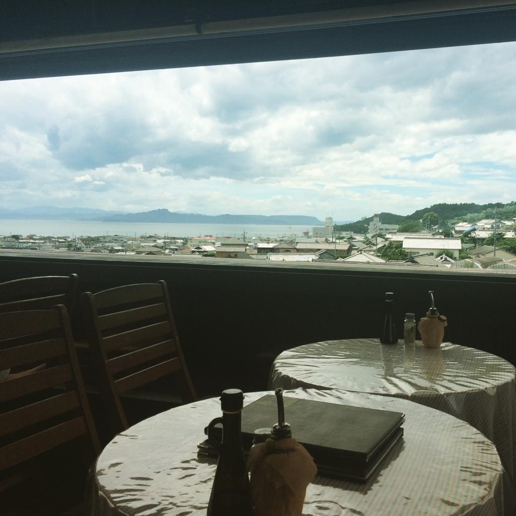 小豆島の井上誠耕園のオリーブカフェ忠左衛門からの眺望