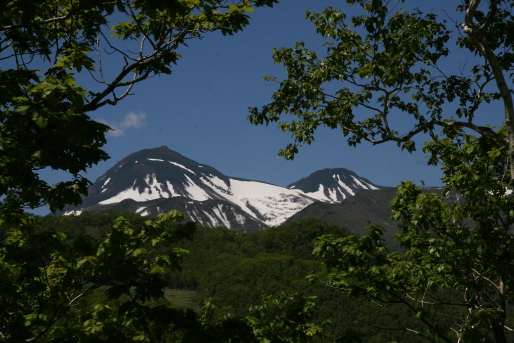 北海道・知床、羅臼から見る知床連山