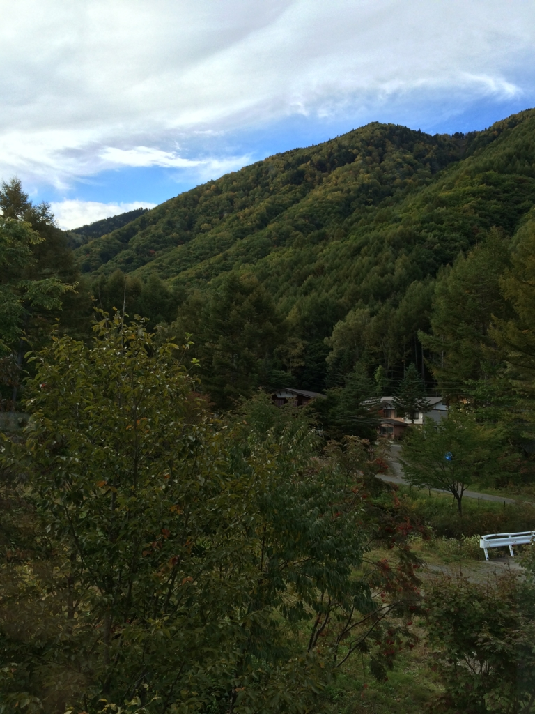 長野県・乗鞍高原の「双色の源泉 山水館信濃」