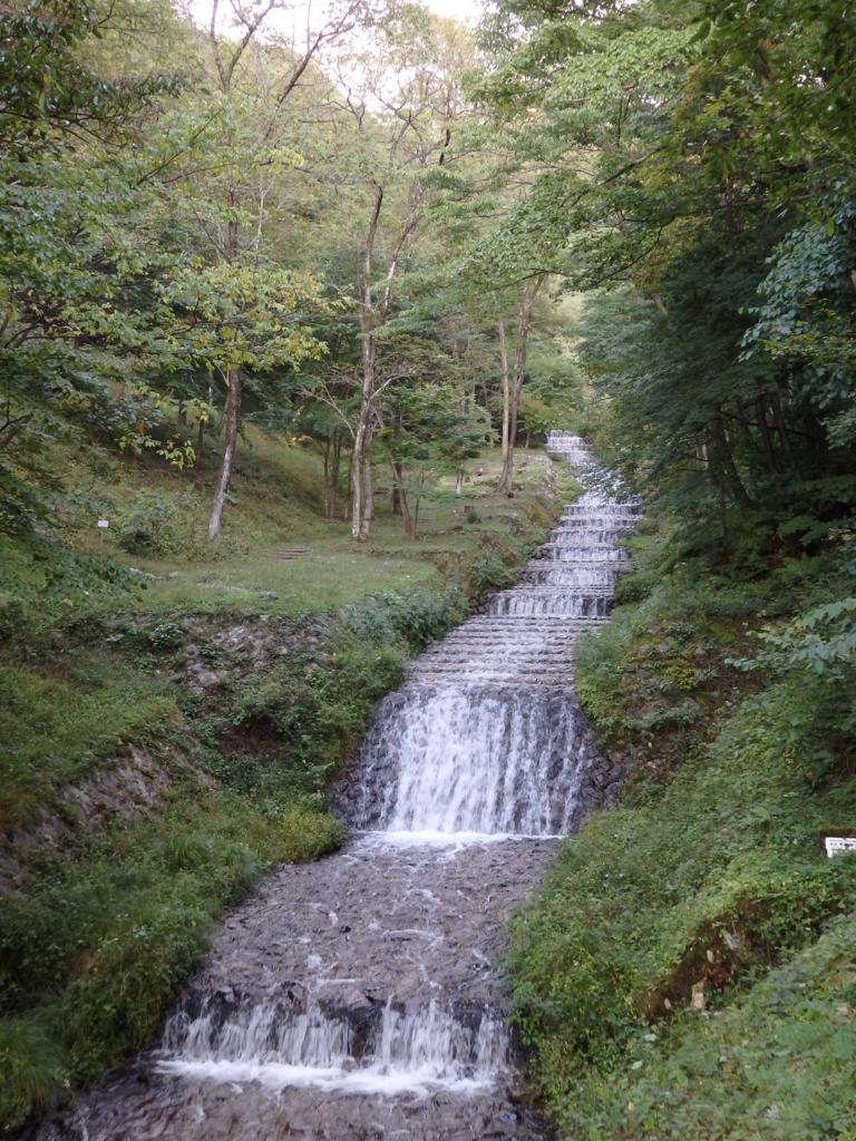 長野県・牛伏川フランス式階段工
