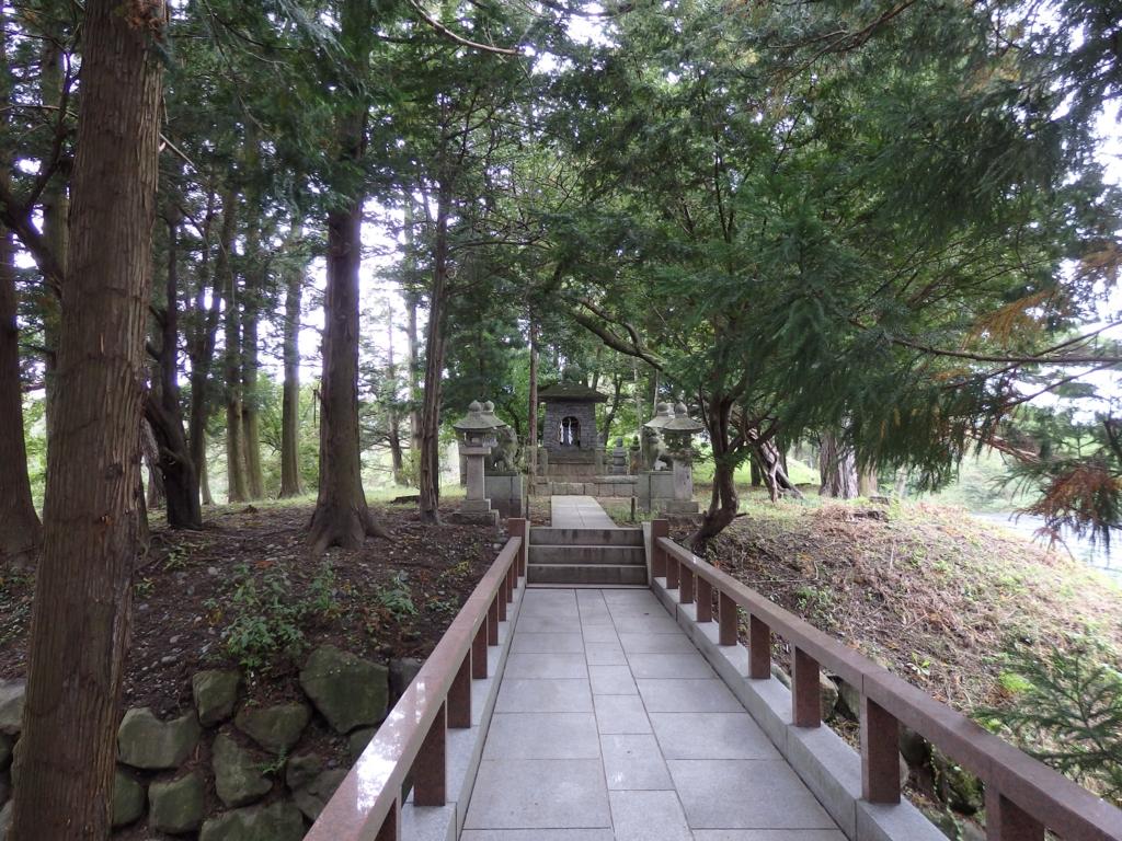長野県安曇野・大王わさび農場の神社