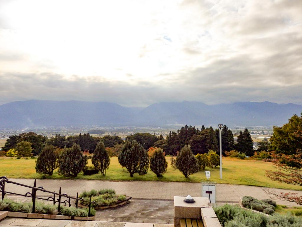 長野県・安曇野の北アルプス展望美術館