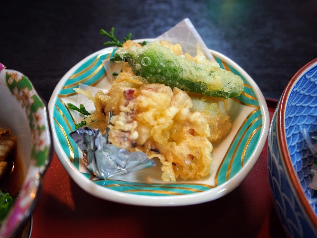衣笠 鯛づくし膳のたこの天ぷら