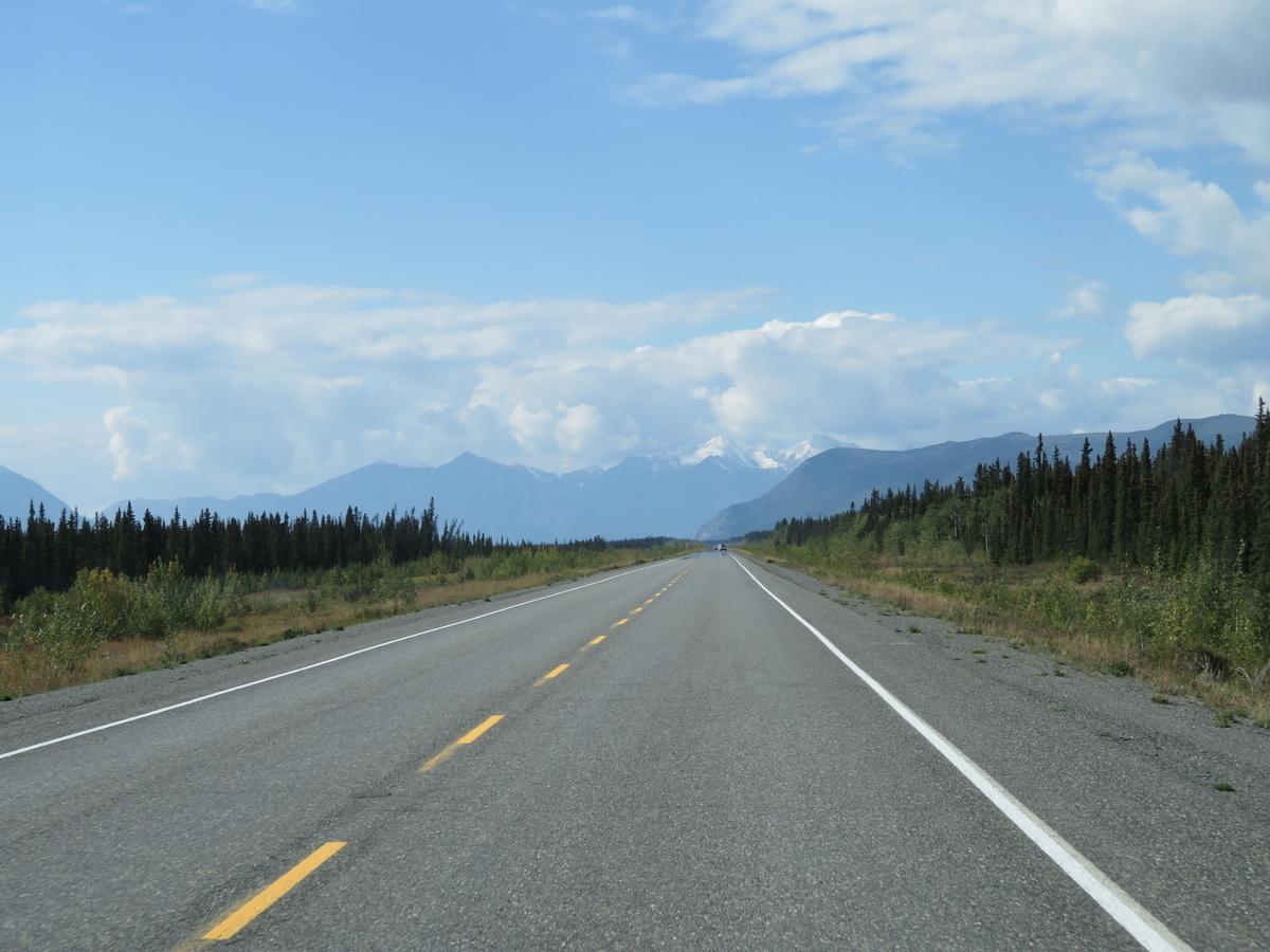 山に向かうドライブルート