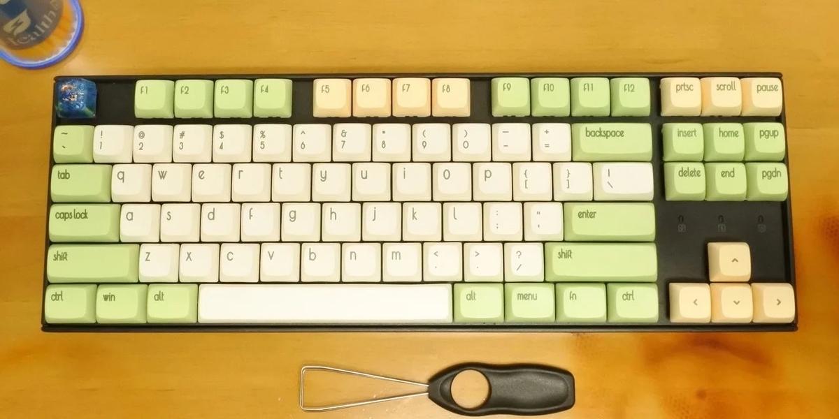 キーキャップとキースイッチは、すでに交換済みのKeychron K8