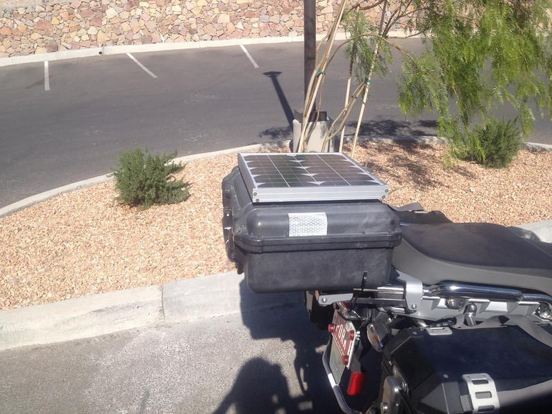 ソーラーパネル バイク パニア トップ ケース