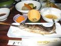 [青荷温泉]フラッシュたいたら見えた夕ご飯のイワナ