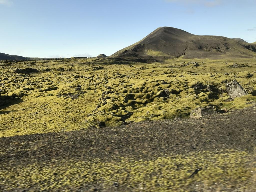アイスランドの溶岩大地