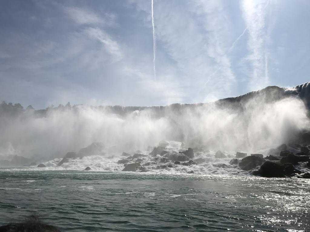 遊覧船からのアメリカ滝