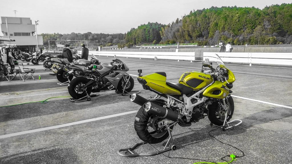 f:id:moto-roo:20181202205500j:plain