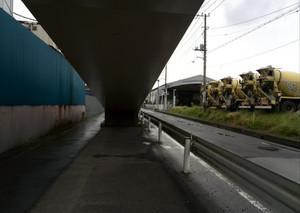 Under_the_pedestrian_bridge