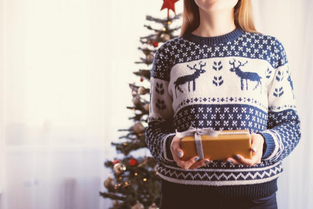 サンタクロースは何でクリスマスにプレゼントをくれるの