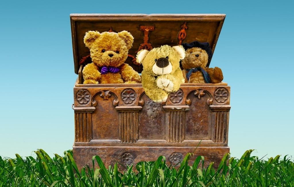 """「宝箱」は""""treasure box""""だっけ?"""