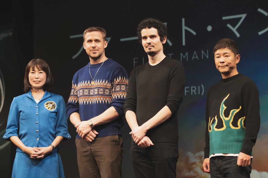 来日イベントには宇宙飛行士の山崎直子さん(上写真左)、そして2023年に民間人として初めて宇宙に行く予定となっている、ZOZOTOWN社長の前澤友作さん(写真右)も登壇。それぞれの月に対する思いが語られました。