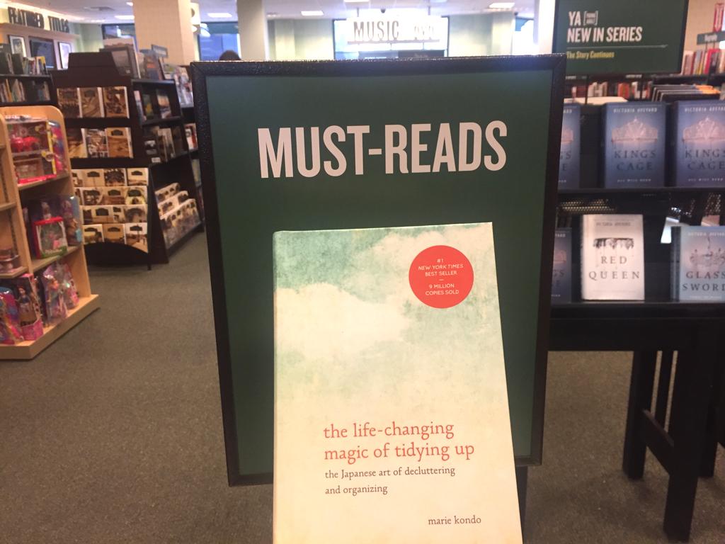 書店ではこんまり本が「MUST-READS(必読書)」として大きく展開