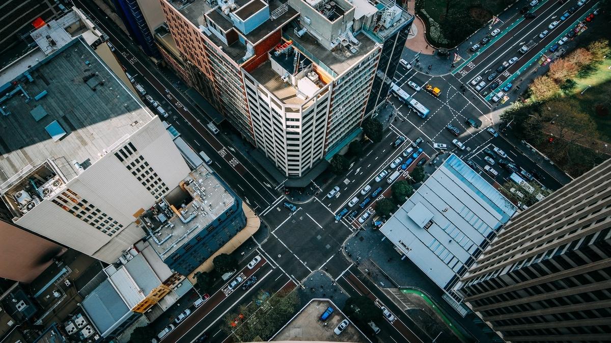 自動運転車が増えたら、渋滞が35パーセント解消される?