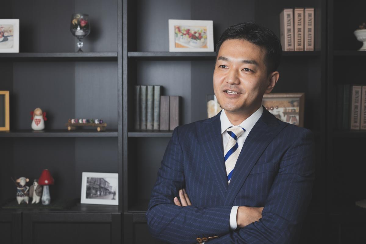 僕はもともと英語が全然できなかったのに、興味を持って学習し始めたらできるようになってきたという経験があります――早川幸治さん