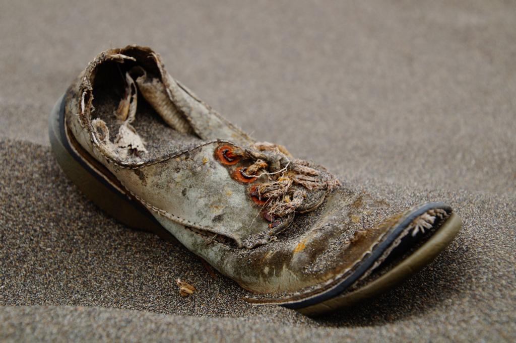 ブカブカのスニーカーに後悔させた件の画像