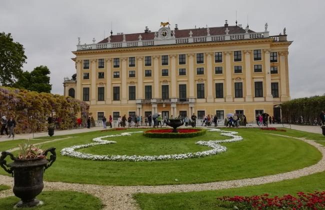 シェーンブル宮殿の庭園