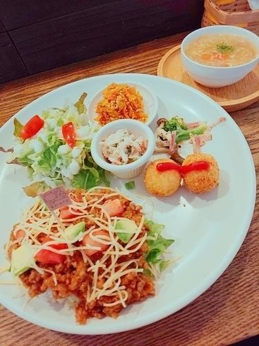 まるカフェ タコライス 【鹿児島市荒田