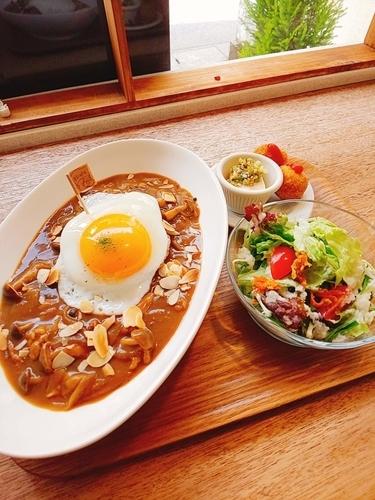まるカフェ カレーランチ【鹿児島市荒田】