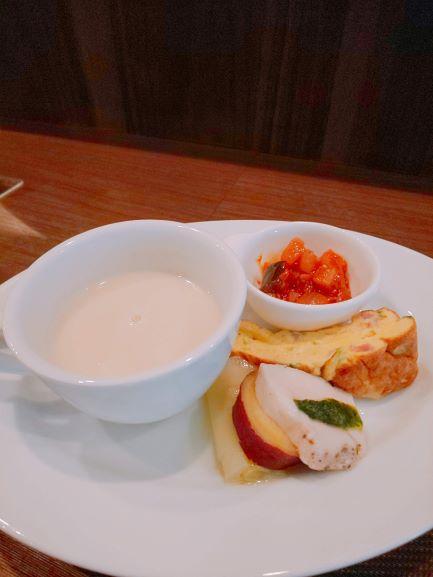 前菜盛り合わせと白いんげんのスープ(オステリア コウ)