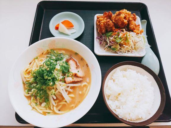 「ミニラーメン定食」(鹿児島大学病院 外来食堂)