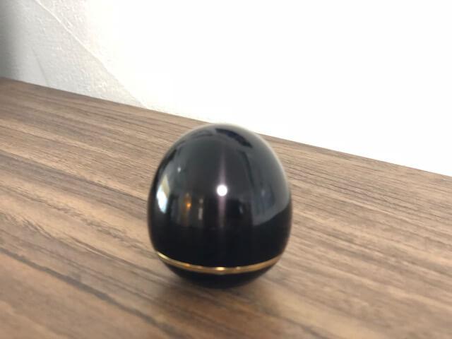 卵型のミニ骨壺の写真