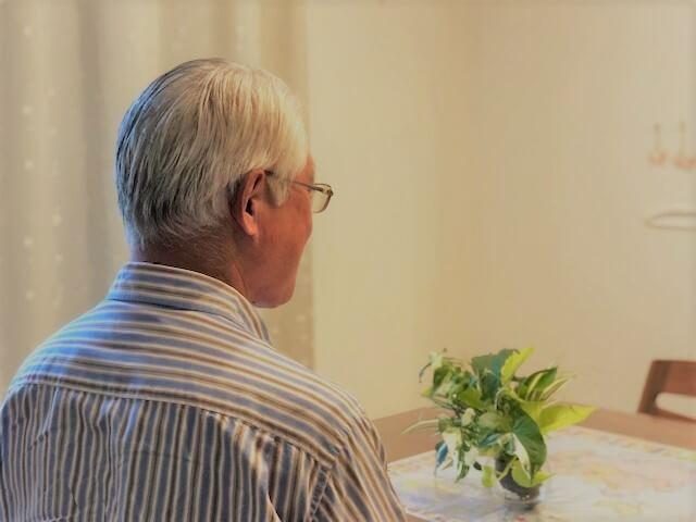 インタビューに答えてくれた60代の叔父さんの写真