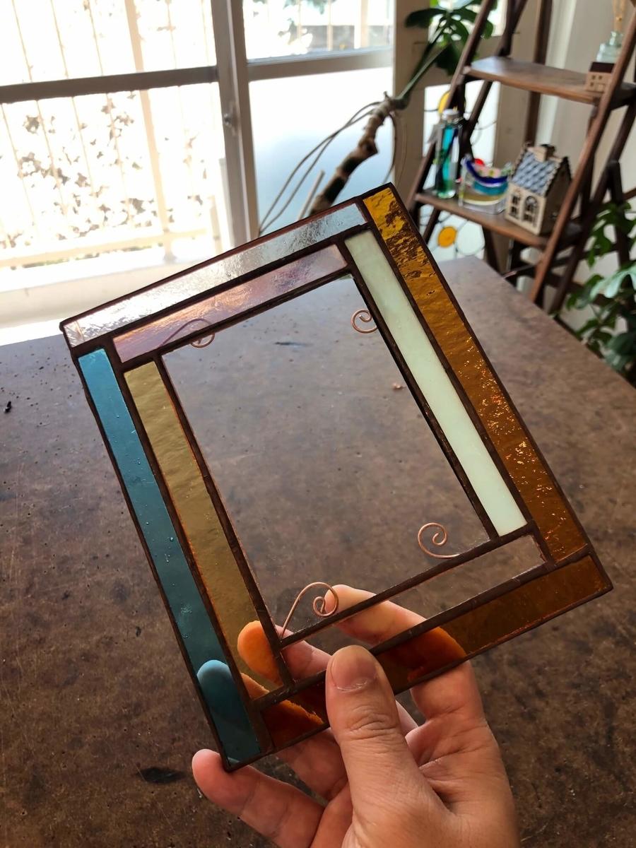 ステンドグラスの写真立ての完成写真