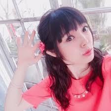 ピンク服の佐藤聡美