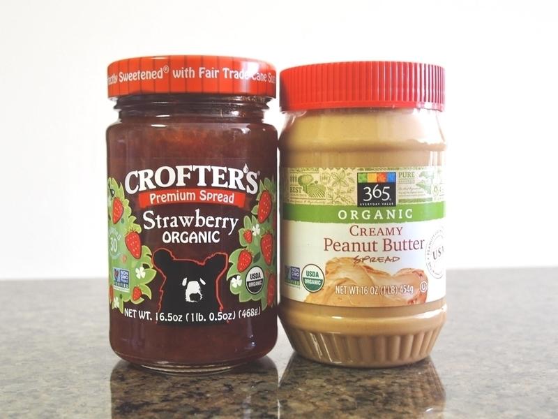 クロフターズのいちごジャムとホールフーズのピーナッツバター