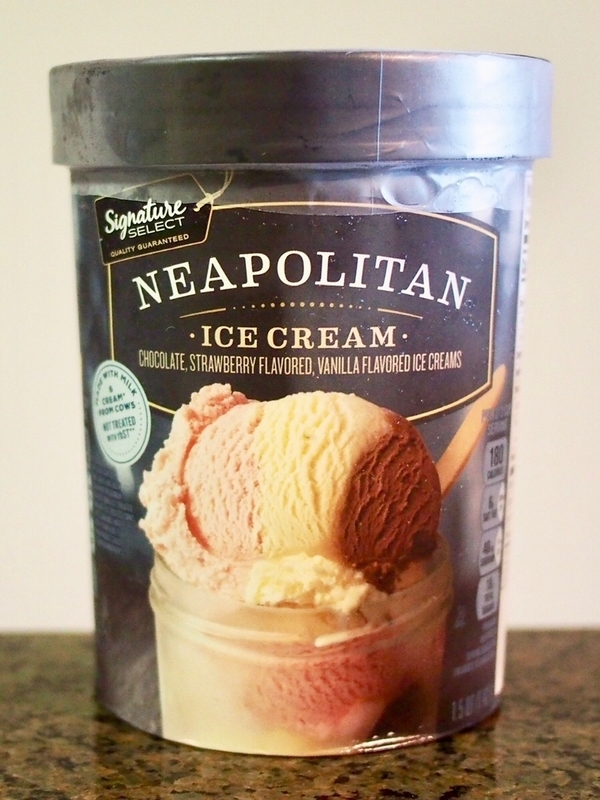 NEAPOLITAN アイスクリームのパッケージ