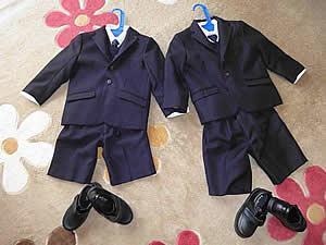 双子の入学式用スーツ