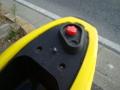 赤いキャップの給油口です