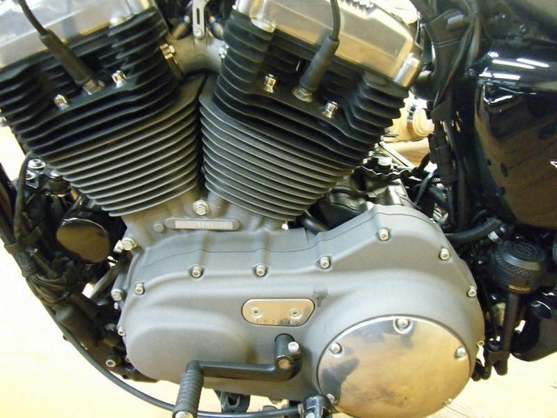 エンジンよりオイル漏れは有りません