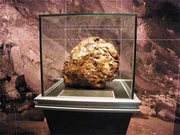 琥珀博物館の琥珀原石