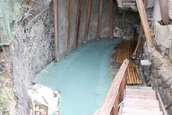 松楓荘 洞窟露天風呂
