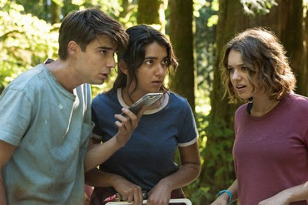 なんとか状況を打開しようとするジョーンとサラとベッキー