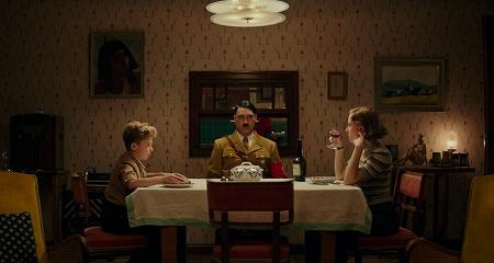 ジョジョとロージーとヒトラー!?