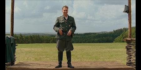 クレンツェンドルフ大尉ことサムロックウェル