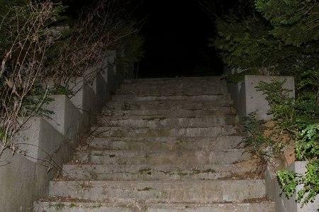 コンジアム精神病院の階段(実物)