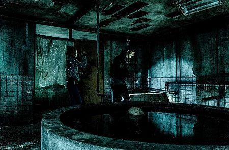 コンジアムの映画内にあったドでかい井戸みたいなの